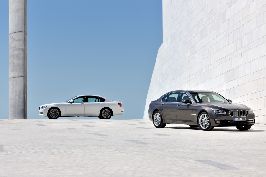 2012 BMW 7-Series LCI gets updated inside and out Image #108410