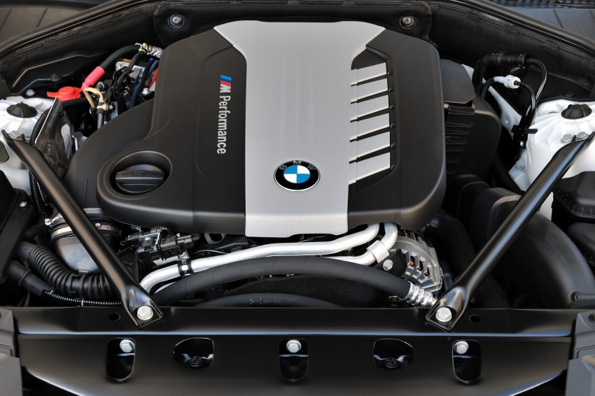 2012 BMW 7-Series LCI gets updated inside and out Image #108411