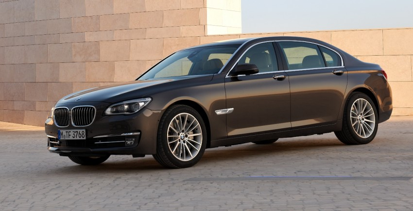 2012 BMW 7-Series LCI gets updated inside and out Image #108415