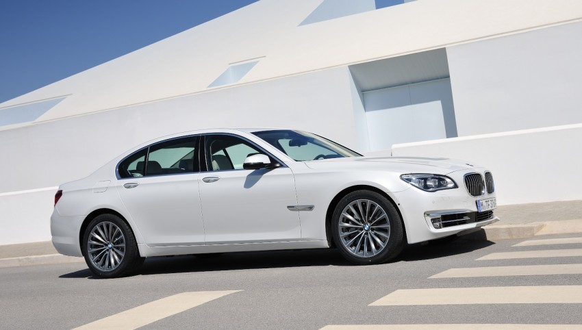 2012 BMW 7-Series LCI gets updated inside and out Image #108419
