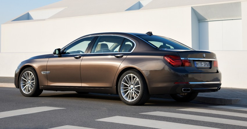 2012 BMW 7-Series LCI gets updated inside and out Image #108420