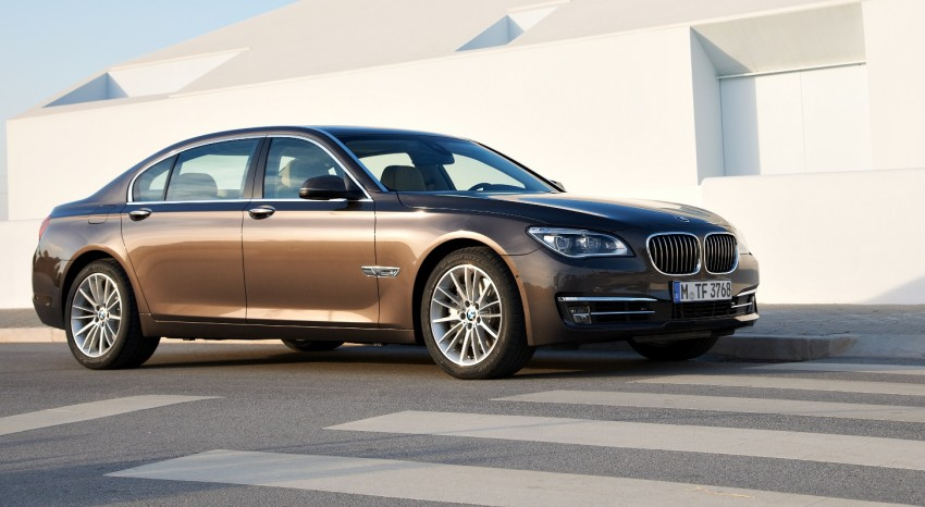 2012 BMW 7-Series LCI gets updated inside and out Image #108421