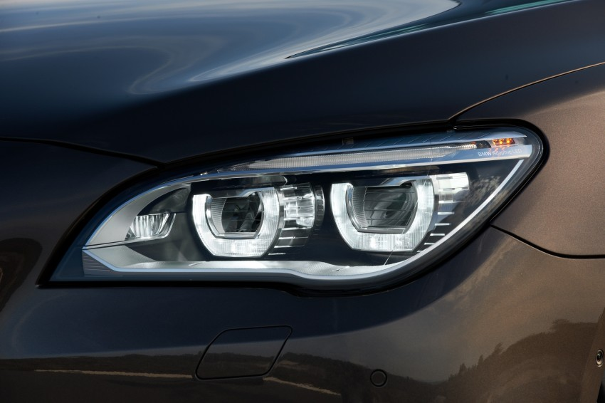 2012 BMW 7-Series LCI gets updated inside and out Image #108423
