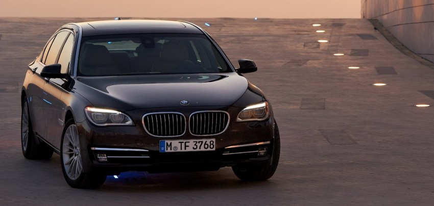 2012 BMW 7-Series LCI gets updated inside and out Image #108403