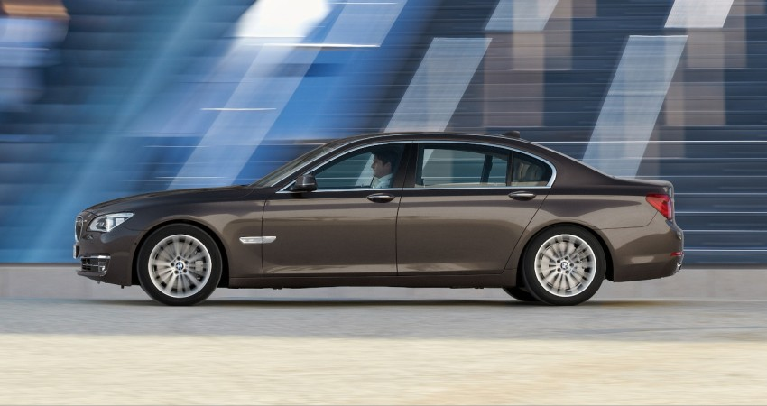 2012 BMW 7-Series LCI gets updated inside and out Image #108432
