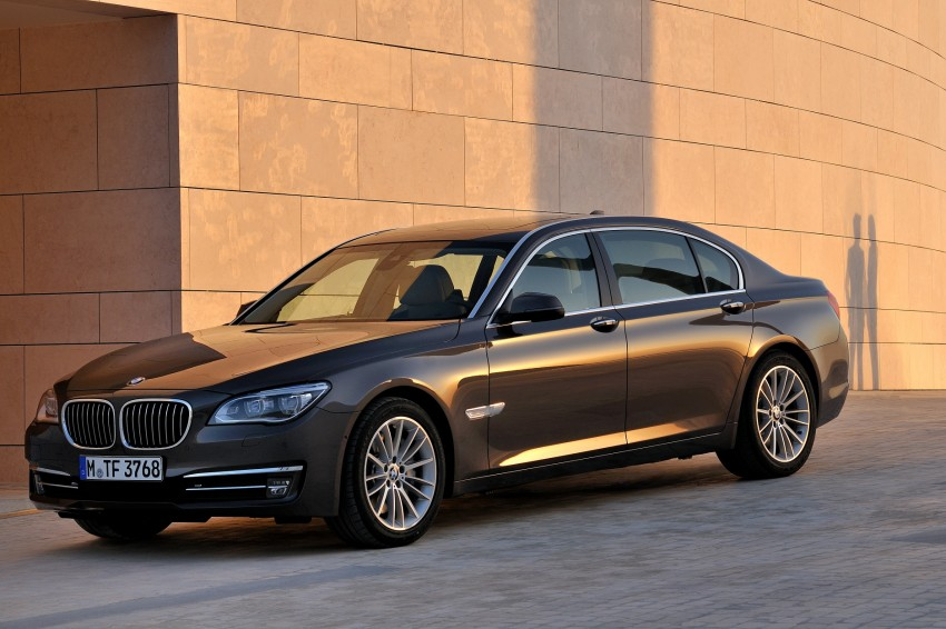 2012 BMW 7-Series LCI gets updated inside and out Image #108434