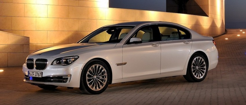 2012 BMW 7-Series LCI gets updated inside and out Image #108436