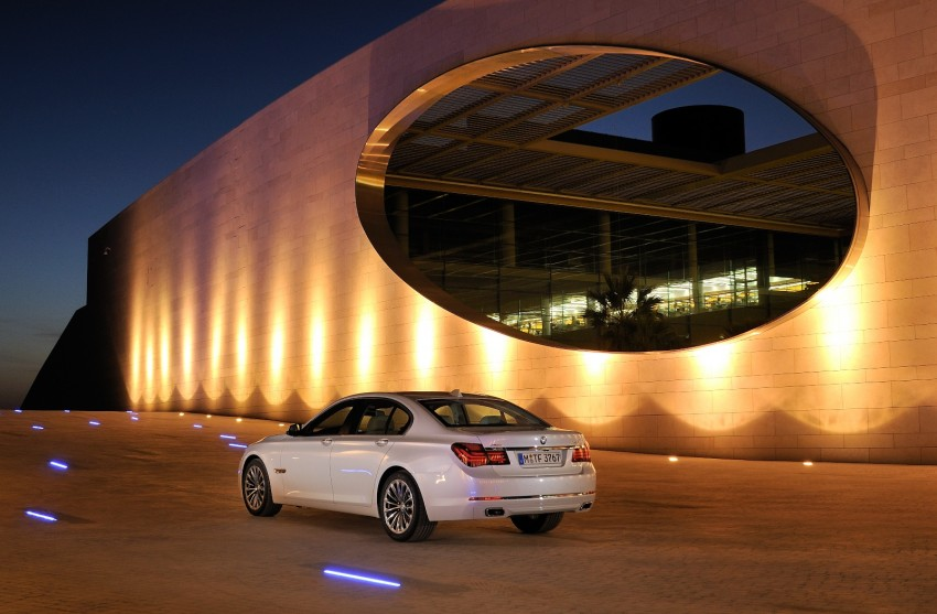 2012 BMW 7-Series LCI gets updated inside and out Image #108437