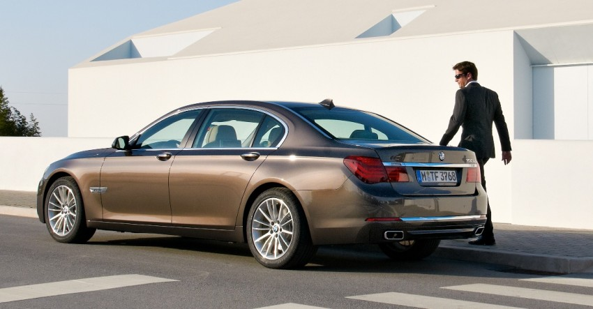 2012 BMW 7-Series LCI gets updated inside and out Image #108441