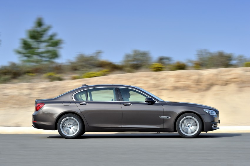 2012 BMW 7-Series LCI gets updated inside and out Image #108404