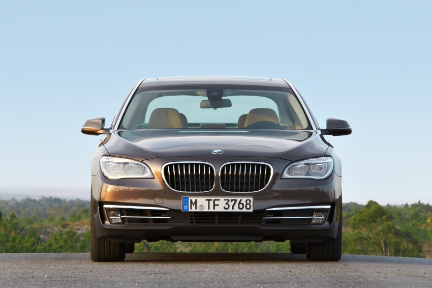 2012 BMW 7-Series LCI gets updated inside and out Image #108444