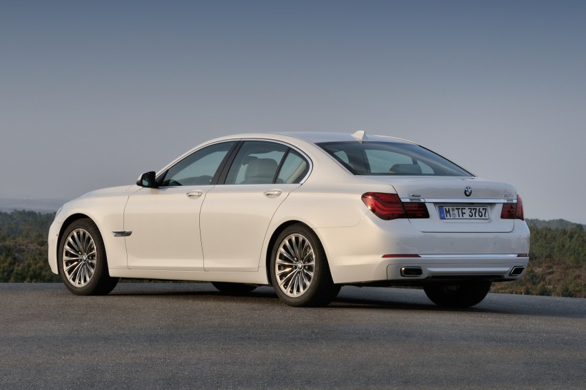 2012 BMW 7-Series LCI gets updated inside and out Image #108446
