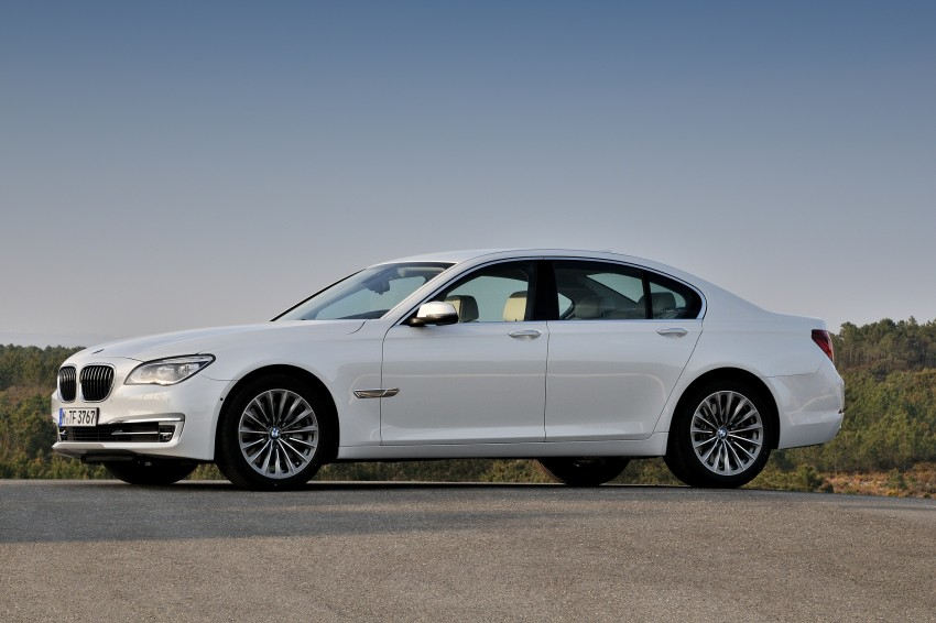 2012 BMW 7-Series LCI gets updated inside and out Image #108448
