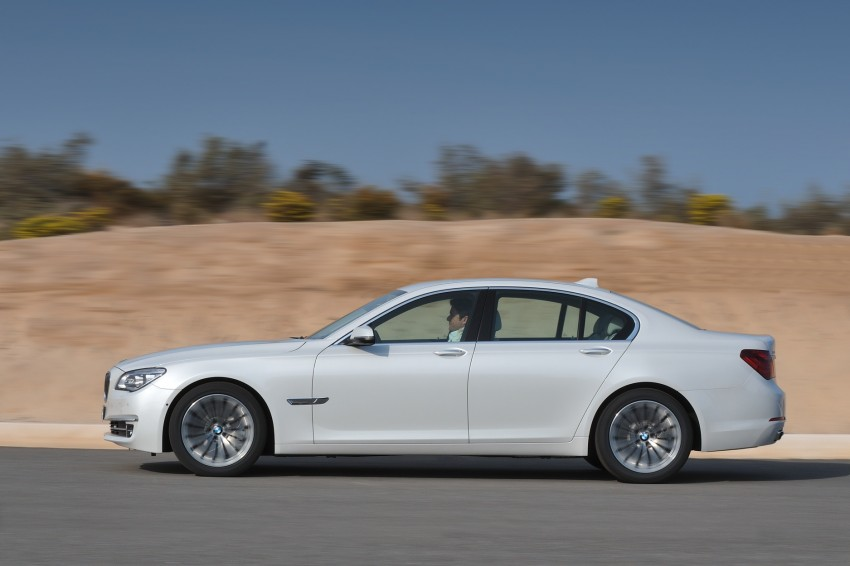 2012 BMW 7-Series LCI gets updated inside and out Image #108449
