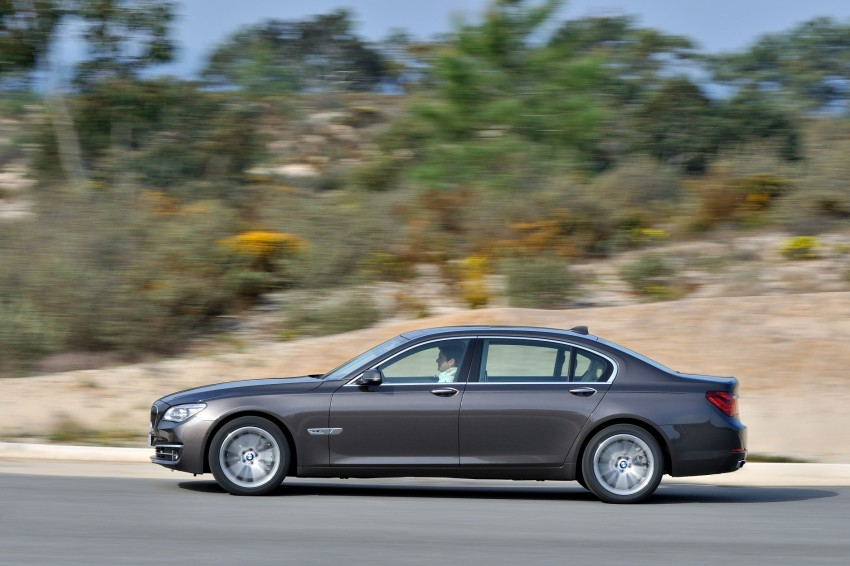2012 BMW 7-Series LCI gets updated inside and out Image #108451