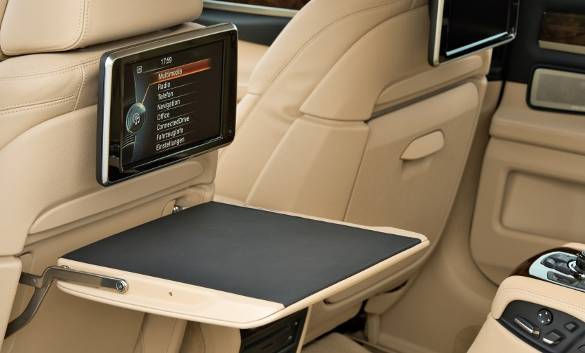 2012 BMW 7-Series LCI gets updated inside and out Image #108405