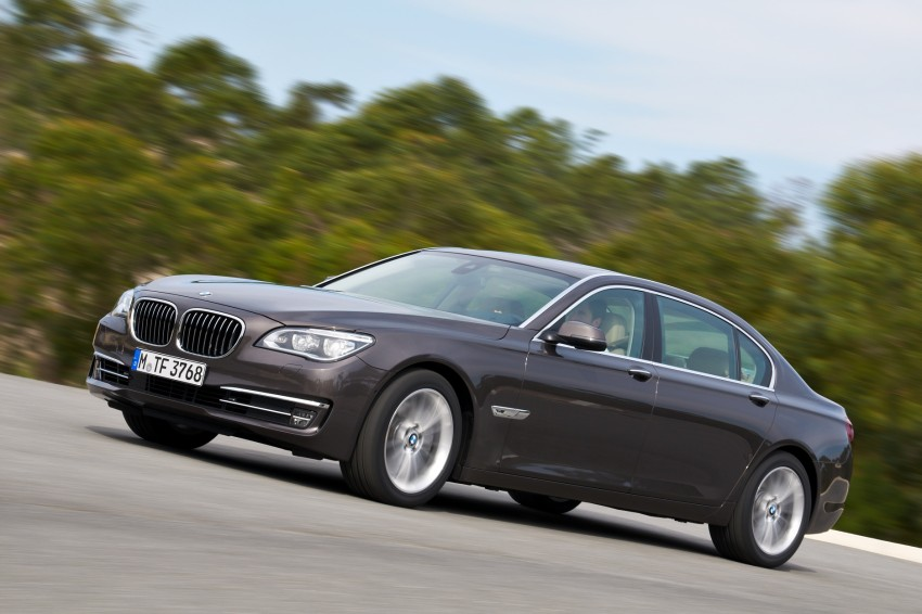 2012 BMW 7-Series LCI gets updated inside and out Image #108453
