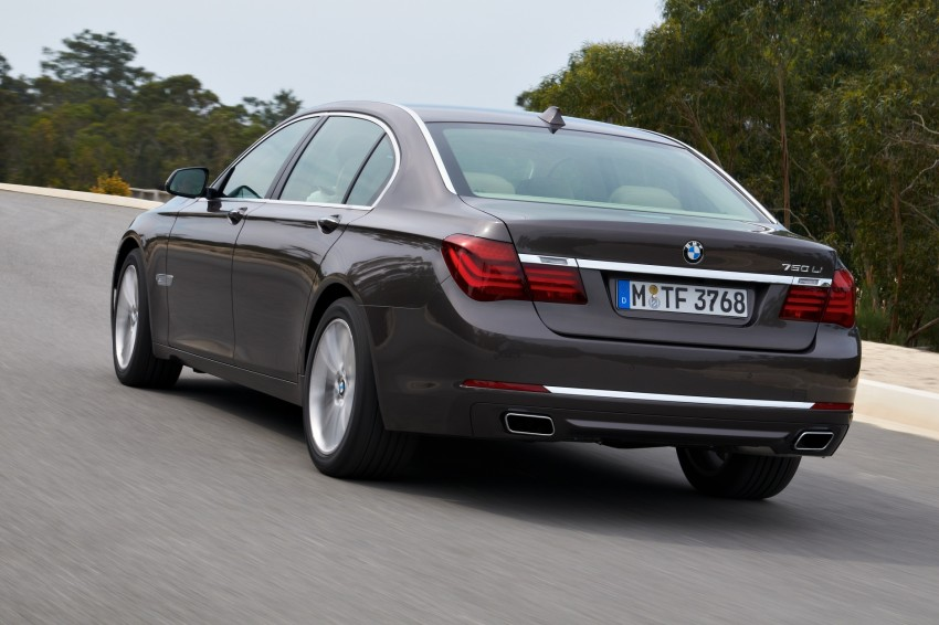 2012 BMW 7-Series LCI gets updated inside and out Image #108454