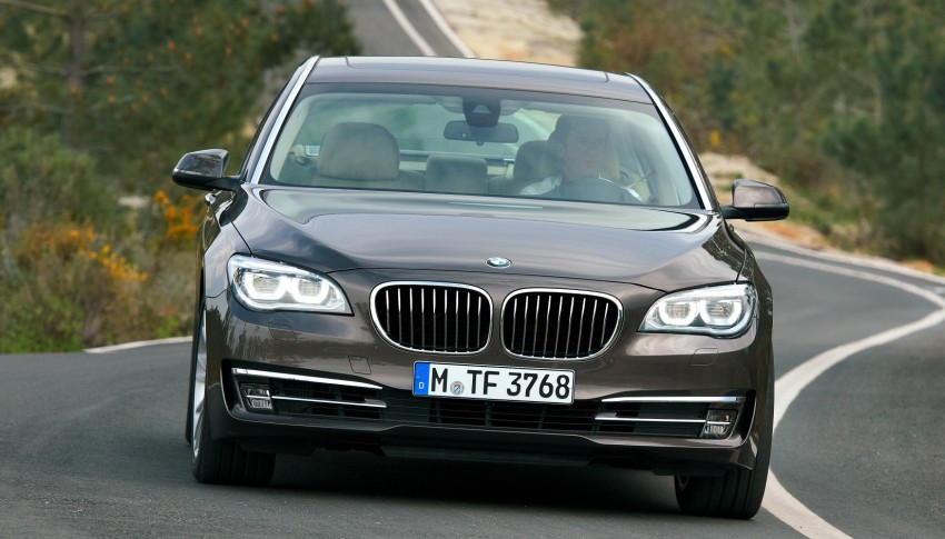 2012 BMW 7-Series LCI gets updated inside and out Image #108455
