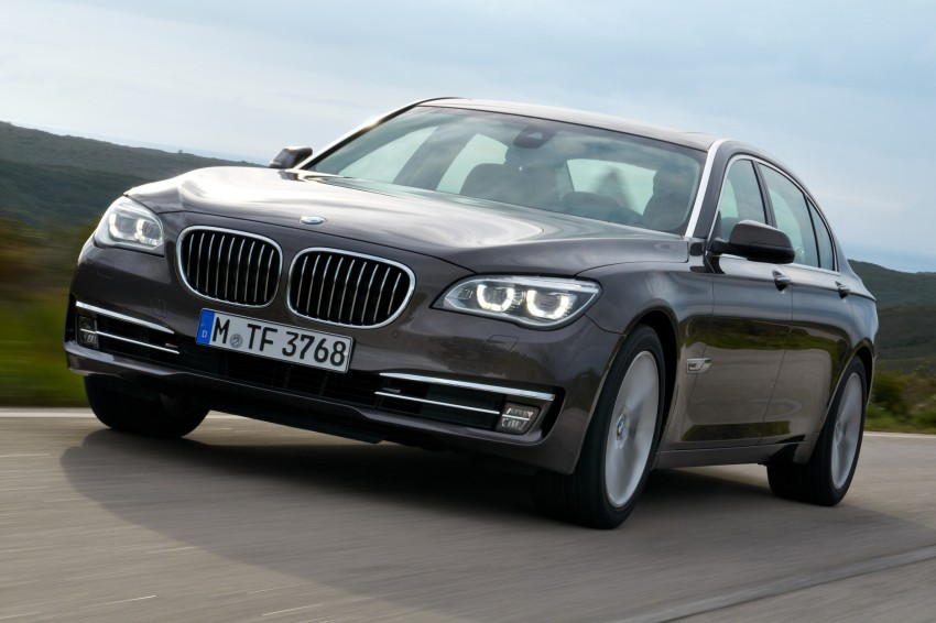 2012 BMW 7-Series LCI gets updated inside and out Image #108458