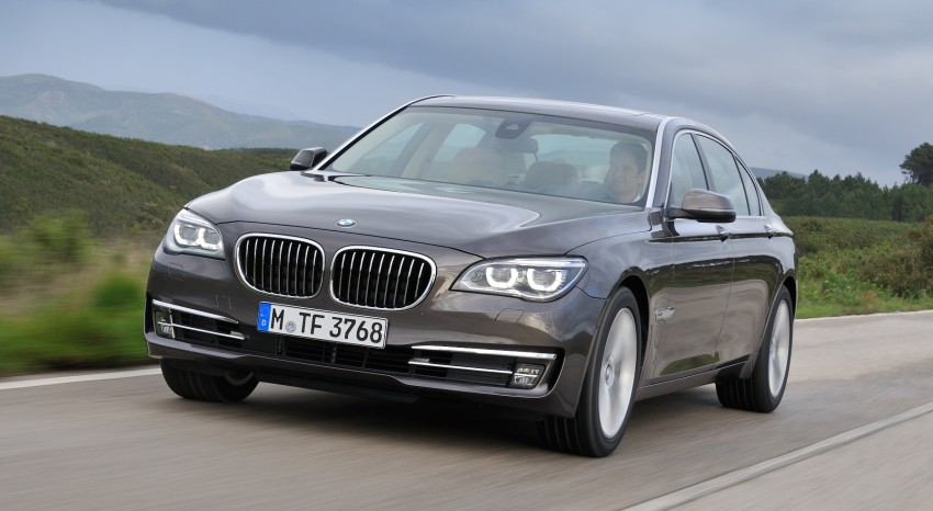 2012 BMW 7-Series LCI gets updated inside and out Image #108460
