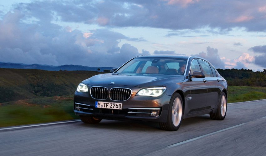 2012 BMW 7-Series LCI gets updated inside and out Image #108464