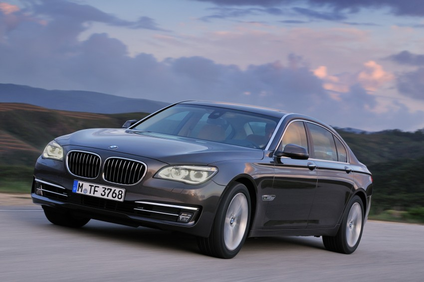 2012 BMW 7-Series LCI gets updated inside and out Image #108465