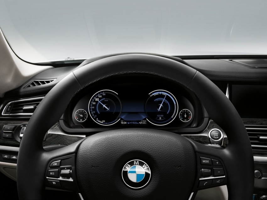 2012 BMW 7-Series LCI gets updated inside and out Image #108466