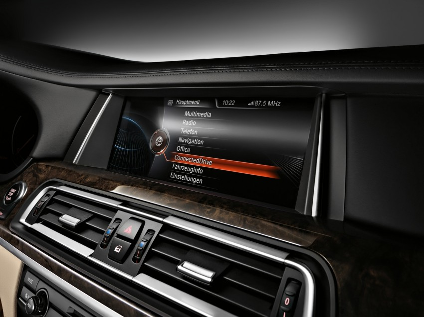2012 BMW 7-Series LCI gets updated inside and out Image #108469