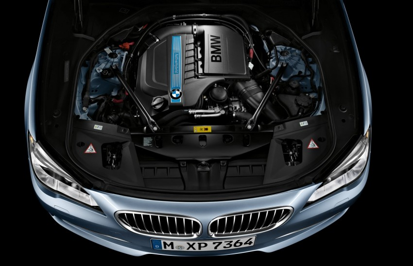2012 BMW 7-Series LCI gets updated inside and out Image #108477