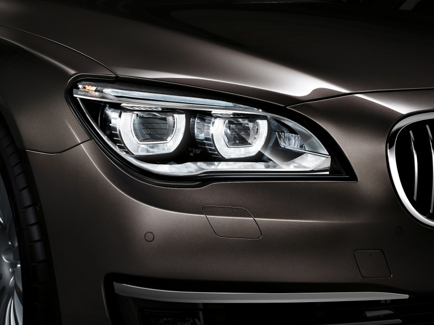 2012 BMW 7-Series LCI gets updated inside and out Image #108478