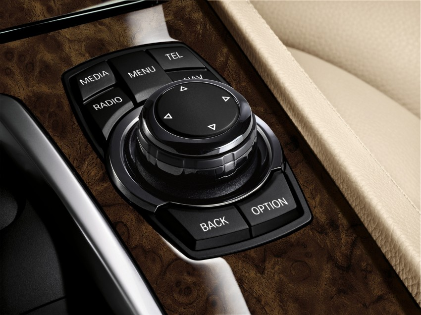 2012 BMW 7-Series LCI gets updated inside and out Image #108480