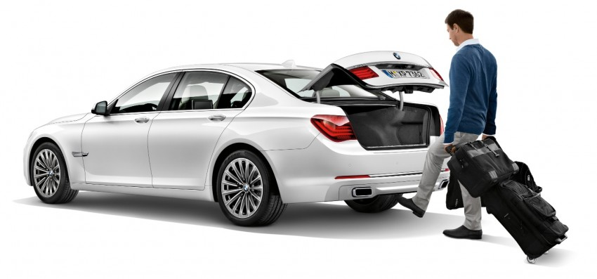 2012 BMW 7-Series LCI gets updated inside and out Image #108481