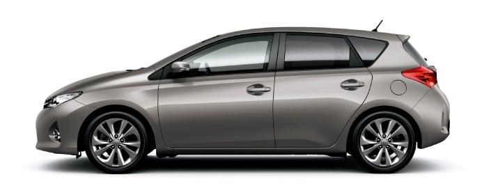 2013 Toyota Auris C-segment hatchback unveiled! Image #126136