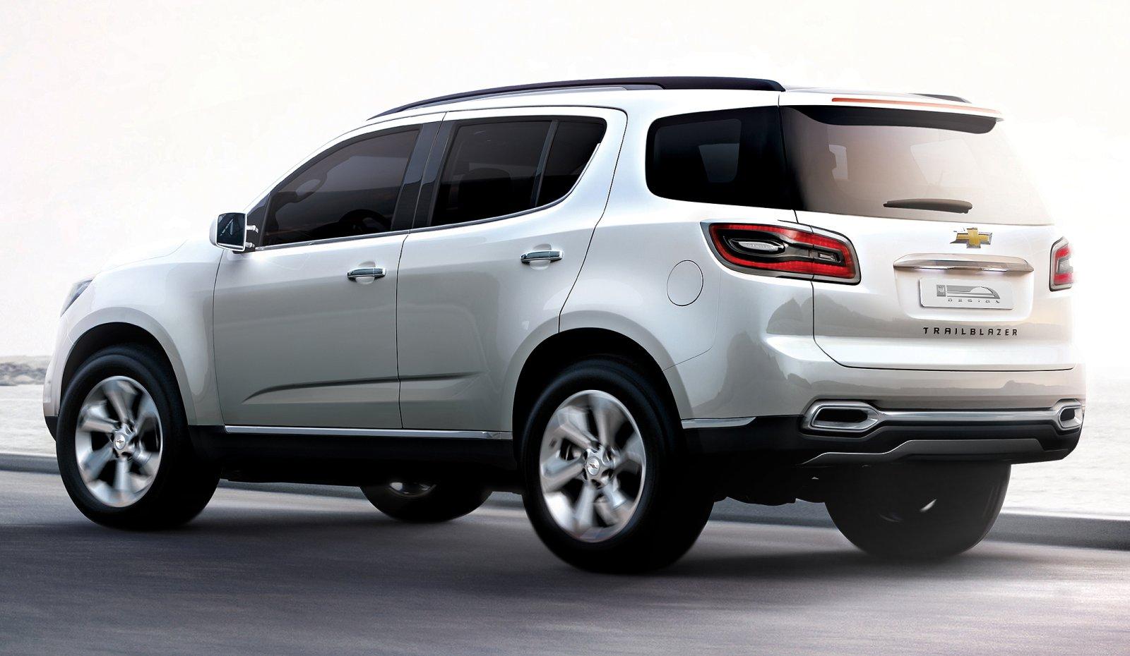 2016 Chevy Trailblazer >> Chevrolet TrailBlazer show SUV breaks cover in Dubai Image 76224