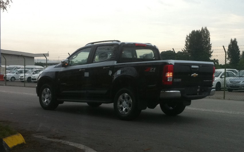 Chevrolet Colorado spotted being unloaded in Port Klang! Image #88146