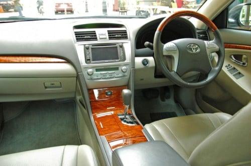 The Japanese D-segment trinity shootout: Honda Accord vs Nissan