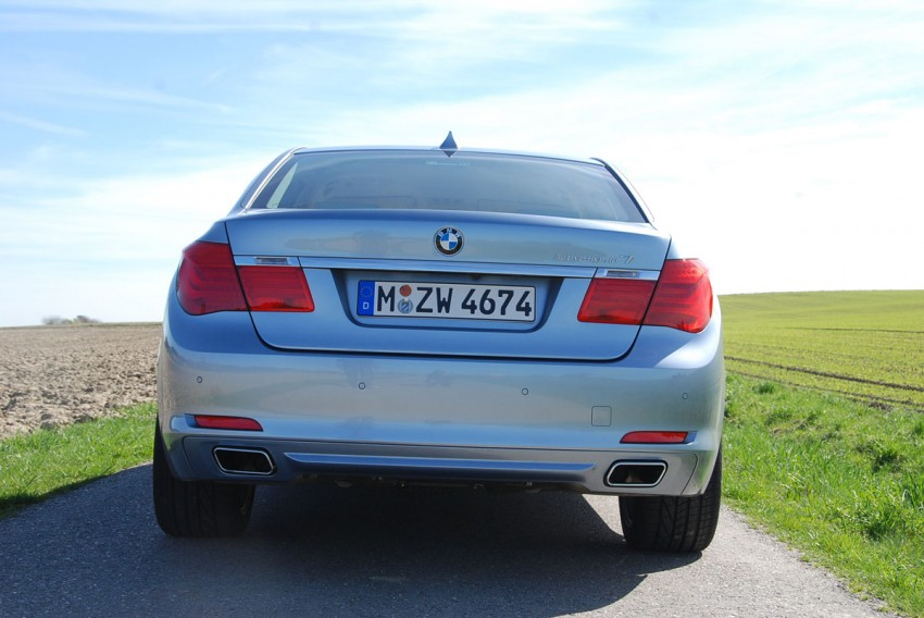 Hybrid powerhouse: BMW ActiveHybrid 7 driven in Munich Image #66301