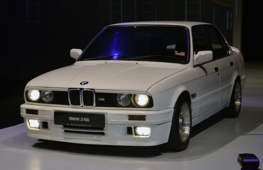 GALLERY: BMW 3-Series lineage display at the F30 launch Image #96666
