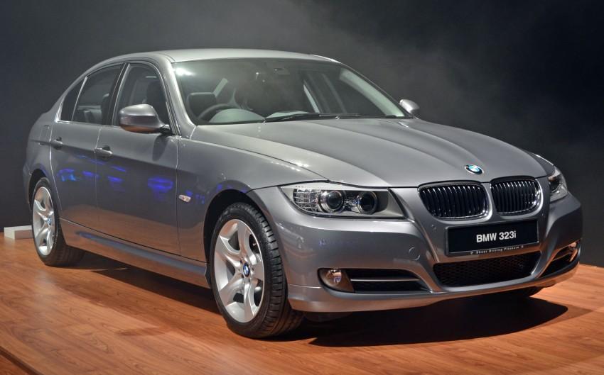 GALLERY: BMW 3-Series lineage display at the F30 launch Image #96702