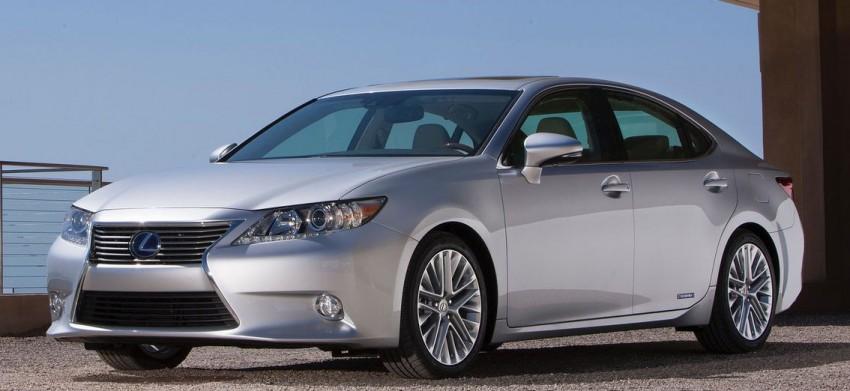 Lexus ES sheds dowdy image, follows the GS' lead Image #100231