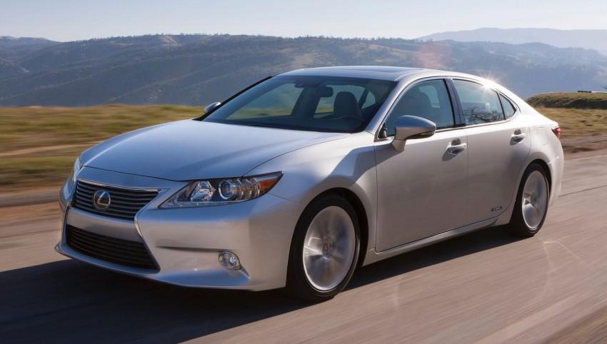 Lexus ES sheds dowdy image, follows the GS' lead Image #100233