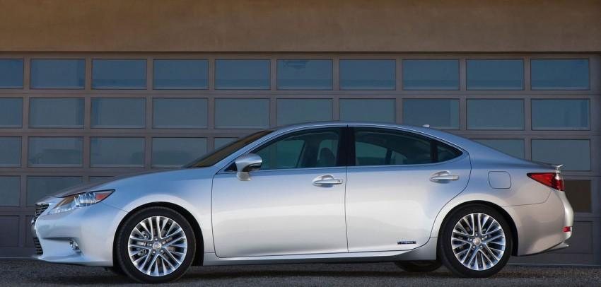 Lexus ES sheds dowdy image, follows the GS' lead Image #100236