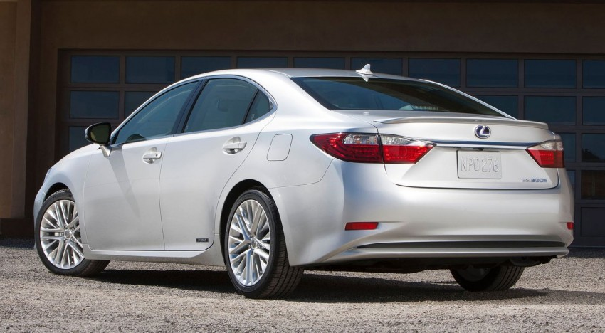 Lexus ES sheds dowdy image, follows the GS' lead Image #100238