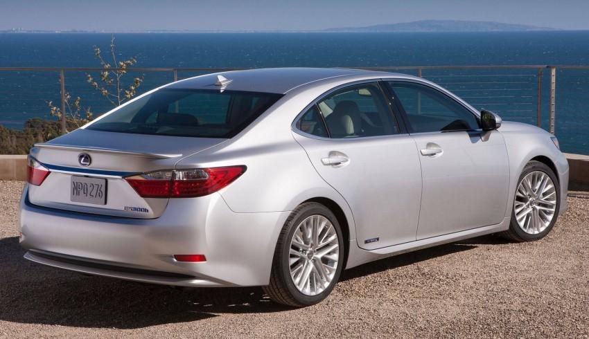 Lexus ES sheds dowdy image, follows the GS' lead Image #100239