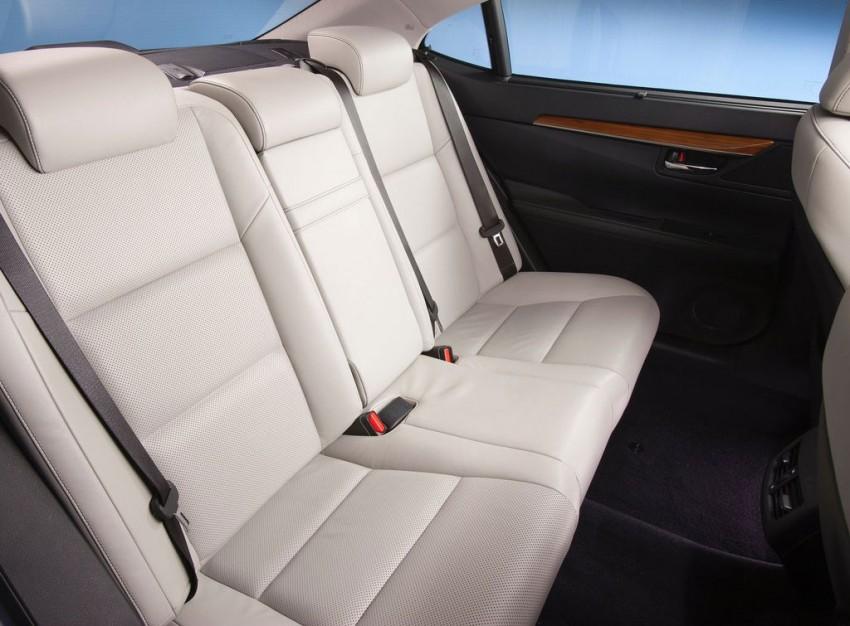 Lexus ES sheds dowdy image, follows the GS' lead Image #100242