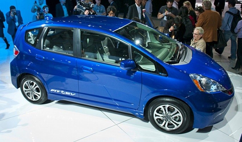 New honda fit ev electric jazz due for 2020 return for Honda fit electric