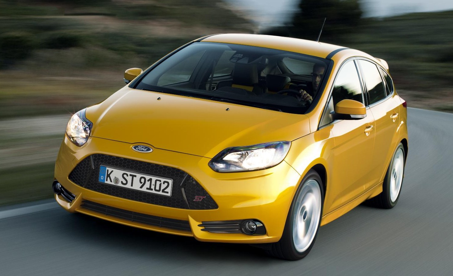 ford focus st debuts in five door and estate forms. Black Bedroom Furniture Sets. Home Design Ideas