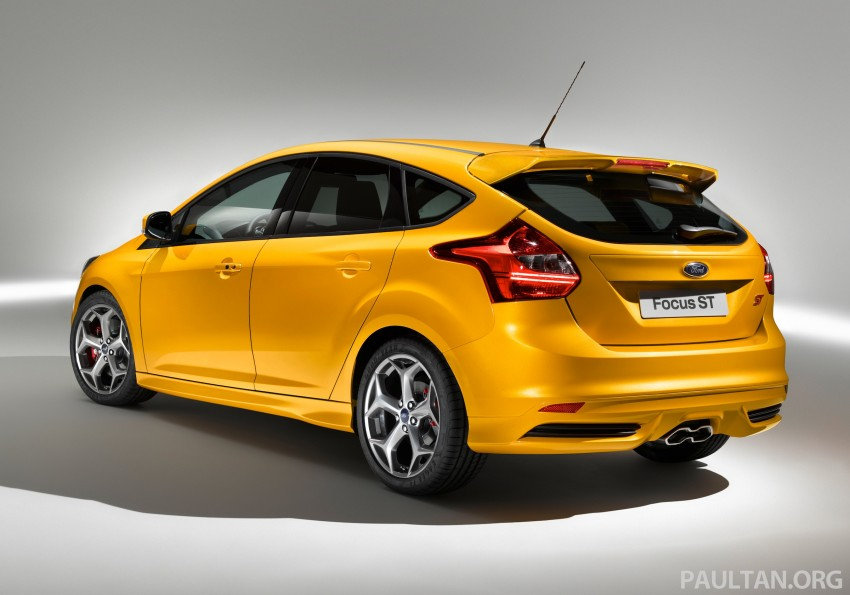 Ford Focus ST debuts, in five-door and estate forms Image #131033