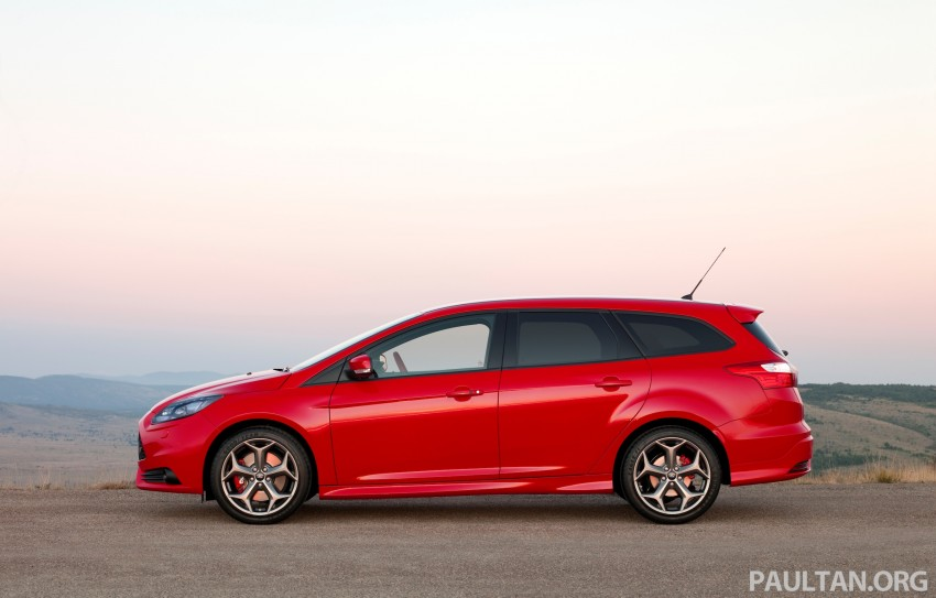 Ford Focus ST debuts, in five-door and estate forms Image #131029